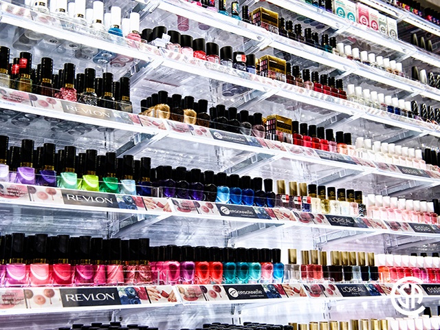Pharmacie Jean Coutu Illuminated Merchandising Wall